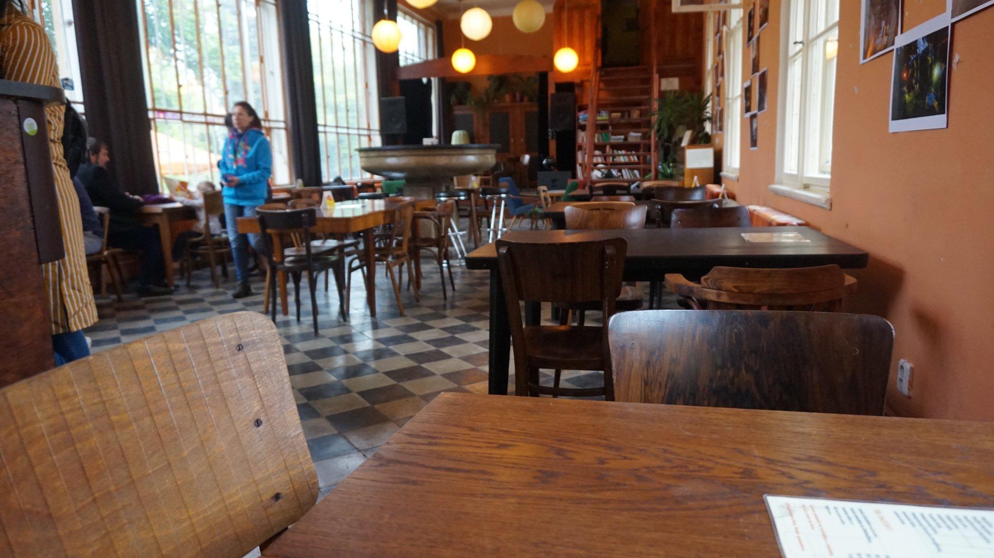 seznamka kavárna online datování v cincinnati oh